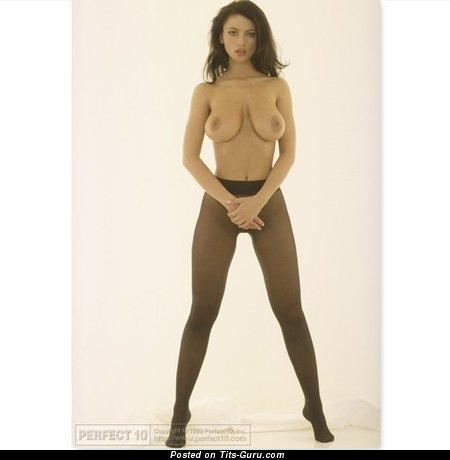 Beautiful Topless Brunette Babe with Beautiful Defenseless Real Medium Titties (Hd Sex Photo)