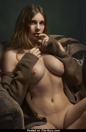 The Best Babe with The Best Naked Real Med Melons & Puffy Nipples (Hd Sex Image)