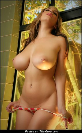 Yummy Lady with Yummy Bare Ddd Size Busts (Hd 18+ Picture)