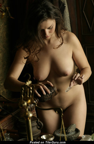 Image. Naked brunette with big natural tittys picture