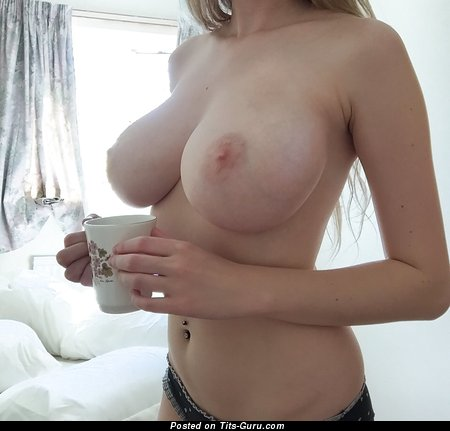 Sweet Floozy with Sweet Open Natural Mega Tits (Porn Image)