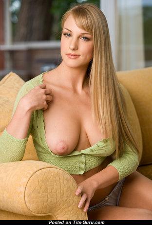 Wonderful Nude Blonde Babe (Hd Porn Photo)