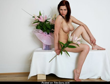 Image. Naked nice woman with natural tots image