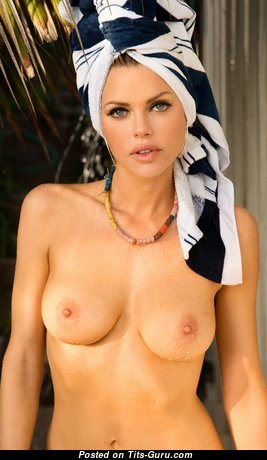 Sophie Monk - Awesome Australian Blonde Babe, Singer & Actress with Awesome Bald Natural Boobies & Huge Nipples (18+ Picture)