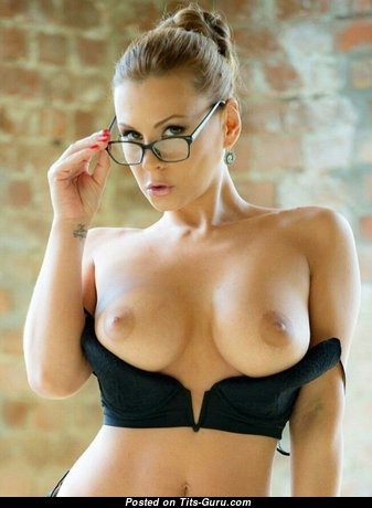 Elegant Babe with Elegant Nude Natural Tight Jugs (Porn Pix)