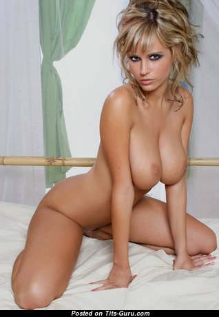 Grand Babe with Grand Exposed Real Tight Melons (Hd 18+ Pic)