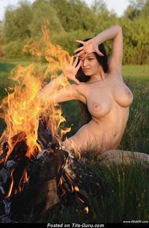 Изображение. Sofi A - изображение офигенной раздетой леди с большими натуральными дойками