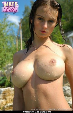 Pretty Babe with Pretty Defenseless Mid Size Tittys & Long Nipples (Sex Pic)