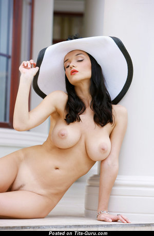 Image. Eugenia Diordiychuk - sexy nude brunette with medium natural boobies picture