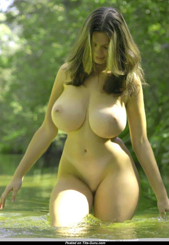 Большие груди эро фото 96898 фотография