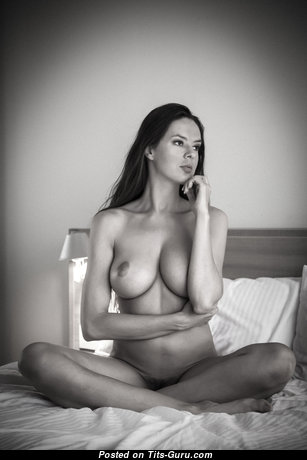 Hot Babe with Hot Defenseless Natural Dd Size Boobys (Hd 18+ Image)
