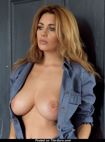 Stunning Babe with Stunning Defenseless Natural D Size Breasts (Porn Photo)