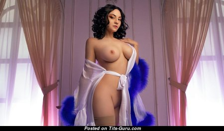 Zoe Volf - Dazzling Brunette Babe with Dazzling Exposed D Size Chest (Hd Sexual Photo)
