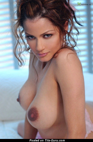 Alley Baggett: nude brunette with medium natural boobs & big nipples photo