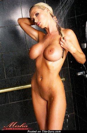 Nikki Benz - Cute Ukrainian Pornstar with Cute Naked Very Big Breasts & Piercing (Xxx Foto)