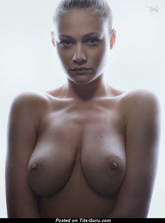 Wonderful Babe with Wonderful Bald Natural Med Tits (18+ Photoshoot)