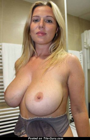 Angels Elis - Cute Topless Czech Blonde with Cute Bare Real Full Chest (Sexual Pix)
