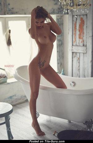Alluring Topless Gal (Sex Image) #topless #boobs #tits #nude #erotic #сиськи #голая #эротика #titsguru