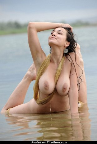 Sofia - sexy nude beautiful female with medium natural boobs picture