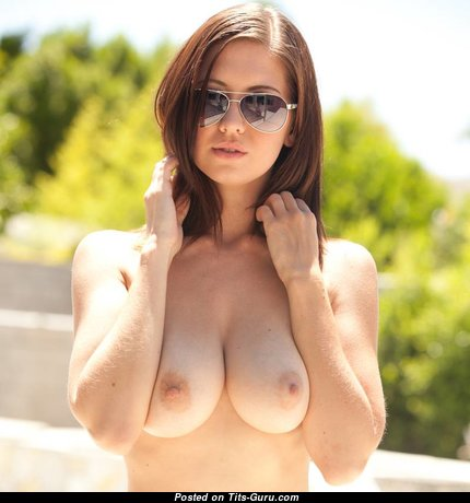 Chrissy Marie - Cute Topless American Brunette Pornstar & Babe with Cute Defenseless Real Average Tittys (Xxx Picture)