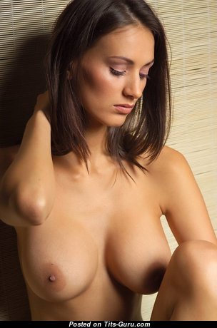 Pleasing Babe with Pleasing Naked Natural Tight Tit (Hd 18+ Photo)