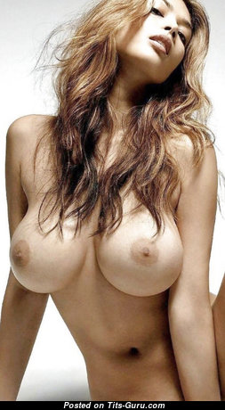Cute Brunette Babe with Cute Nude Med Breasts (Hd Xxx Photo)