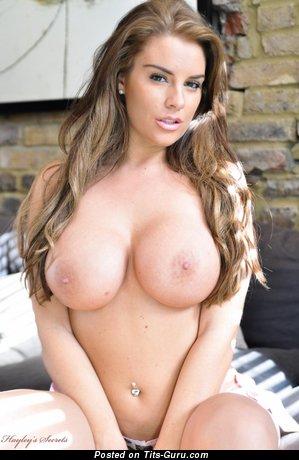Image. Gracie Finlan - naked beautiful girl with medium boob photo