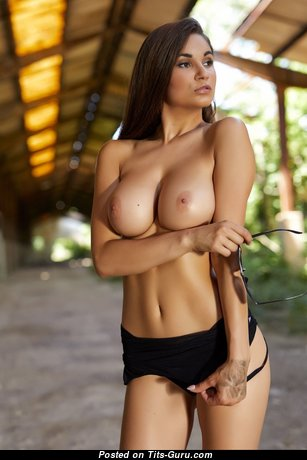 Faith Tundi - Pretty Glamour & Topless Brunette Babe with Pretty Naked Natural Tight Breasts & Giant Nipples (Hd 18+ Photo)