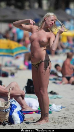 Image. Nude awesome female with medium natural tittes picture