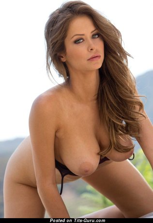 Hot Babe with Hot Nude Real Mid Size Boobie (Hd Xxx Pix)