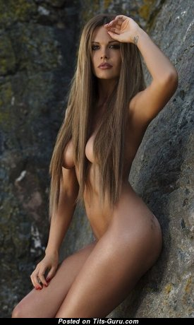 The Best Glamour Nude Babe (18+ Photoshoot)