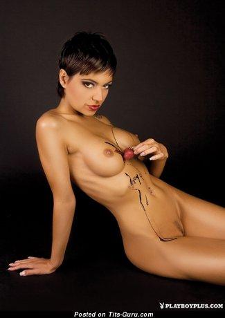 Image. Naked beautiful girl image