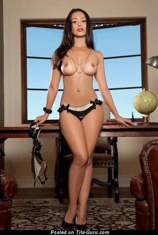 Image. Ashley Doris - sexy nude brunette with medium natural breast picture