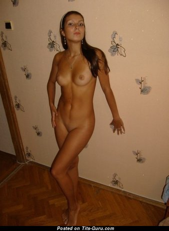 Handsome Chick with Adorable Exposed Natural D Size Jugs (Sex Foto)