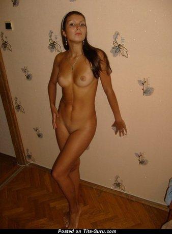 Naked amazing lady with medium natural boobs photo