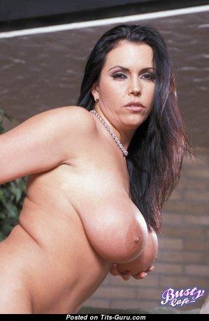 Angelica Sinn - Exquisite Glamour & Topless Brunette Pornstar with Weird Nipples (Porn Foto)