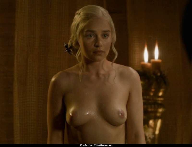 Are emilia clarkes boobs real