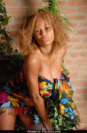 Image. Louis De Mirabert - nude ebony with big boob picture