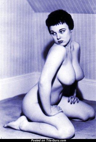 Lorraine Burnett - Fine Naked British Blonde (Vintage Hd Sexual Image)