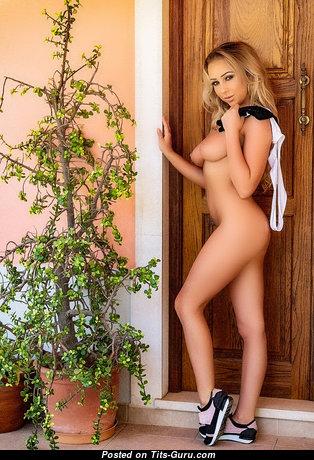 Superb Nude Babe (Hd Sex Pix)