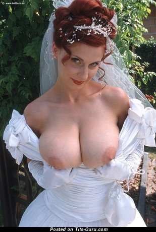 Naked amazing female with big natural tits pic