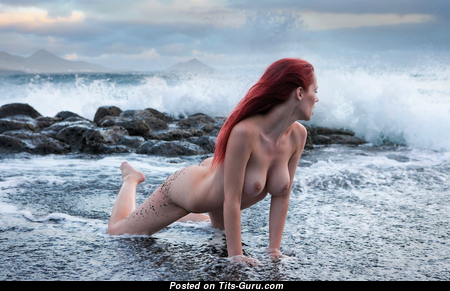Hot Wet & Glamour Unclothed Red Hair on the Beach (Hd Sex Foto)