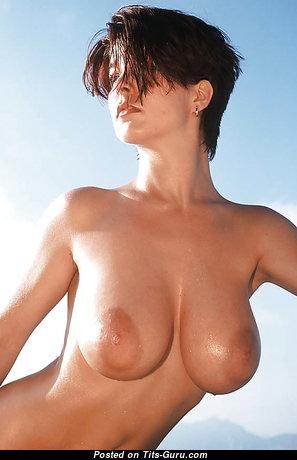 Elegant Nude Playboy Bimbo (Xxx Photo)