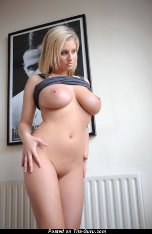 Image. Nude hot lady with big tittys image