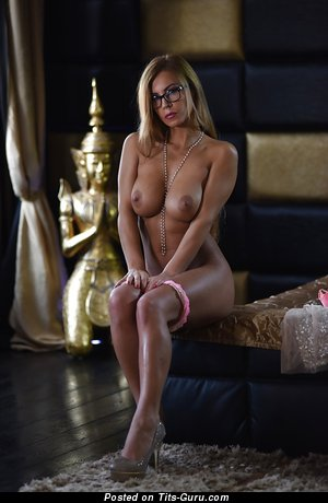 Image. Dorothy Black - nude blonde with big boob photo