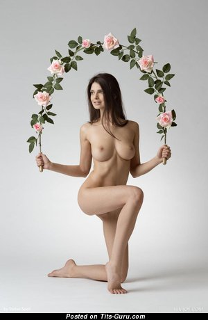 Image. Jasmine Andreas - nude brunette with medium natural boobs pic