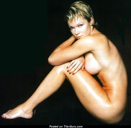 Nell McAndrew - Perfect Topless British Blonde with Perfect Bald Silicone Knockers & Sexy Legs (Sexual Foto)