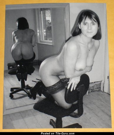 Amazing Miss with Amazing Defenseless Real Titty (Vintage Sex Foto)