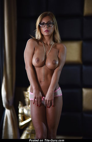 Image. Dorothy Black - naked blonde with big boobies image