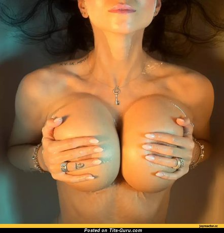 Image. Naked nice lady with huge tittes pic
